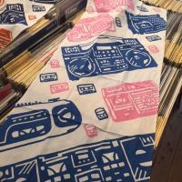 MINGALANG - オリジナル切り絵ラジカセ手ぬぐい ピンク/青 : GOODS