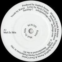 KARYA - Muz Ze Skla : SMILING C (US)