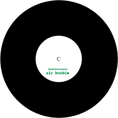 SINGLEWHITEFEMALE - Air Bubble / Air Bubble (Ikonika Edit) : SINGLEWHITEFEMALE (US)