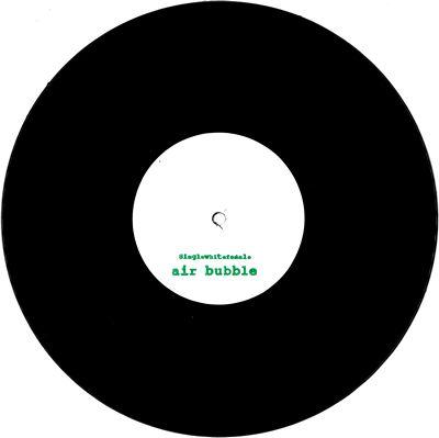 SINGLEWHITEFEMALE - Air Bubble / Air Bubble (Ikonika Edit) : SINGLEWHITEFEMALE (US)