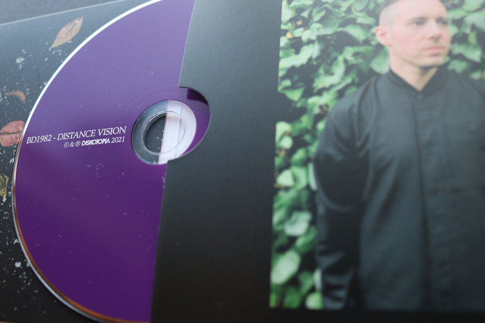 BD1982 - Distance Vision : CD gallery 4